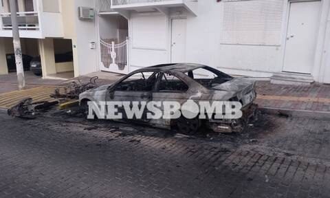 Ηλιούπολη: Έκαψαν το αυτοκίνητο του αστυνομικού που κρατούσε αιχμάλωτη την 18χρονη