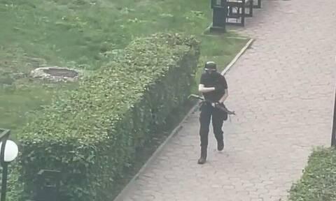 Ρωσία: Συγκλονιστικές εικόνες και βίντεο από την πολύνεκρη επίθεση στο Πανεπιστήμιο του Περμ