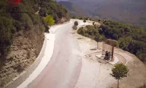 Το άγνωστο χωριό της Ηπείρου με τα μυστηριώδη διάσπαρτα έργα τέχνης (video)