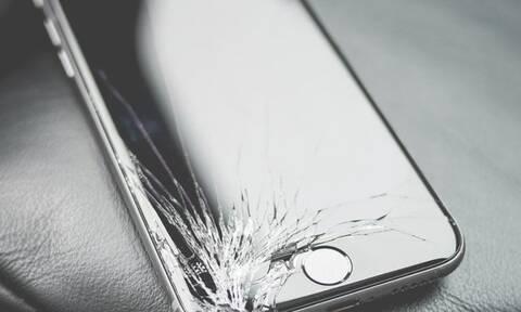Το απόλυτο tip για να φτιάξεις τη σπασμένη οθόνη του κινητού σου