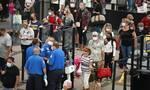 ΗΠΑ: Αίρονται από Νοέμβριο οι ταξιδιωτικοί περιορισμοί για τους πλήρως εμβολιασμένους