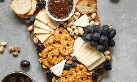 Τι πρέπει να γνωρίζετε για τη σωστή συντήρηση του τυριού στο ψυγείο;