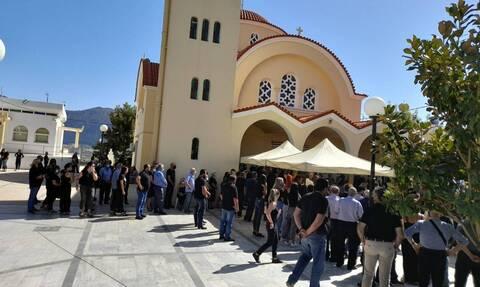 Κρήτη: Θρήνος στην κηδεία του 17χρονου Ματθαίου που σκοτώθηκε σε τροχαίο