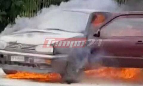 Πάτρα: Περίμενε στο φανάρι και άρπαξε φωτιά το αμάξι της (video)