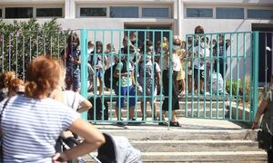 LIVE - Υπ. Παιδείας: Η μετάλλαξη «Δ» δεν χτυπά περισσότερο τα παιδιά - Θα αυξηθούν τα κρούσματα
