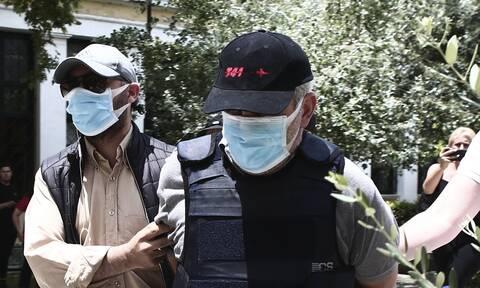 Παραπέμπεται σε δίκη ο «ψευτογιατρός», ο «Dr Kontos» και άλλοι «συνεργοί»