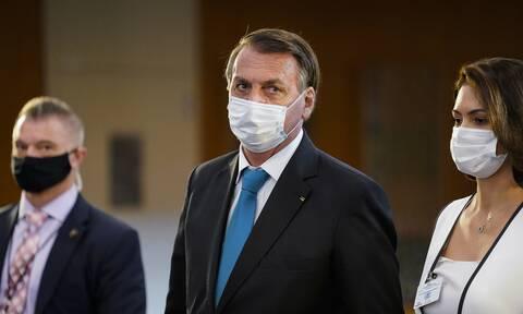 Βραζιλία: Θετικός στον κορονοϊό ο υπουργός Υγείας που έκανε χειραψία με τον Μπόρις Τζόνσον