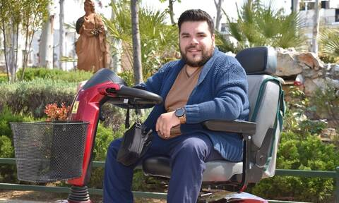 Μπάμπης Δούναβης: Ο νέος που αλλάζει τις συνθήκες της προσβασιμότητας στο Περιστέρι στο Newsbomb.gr