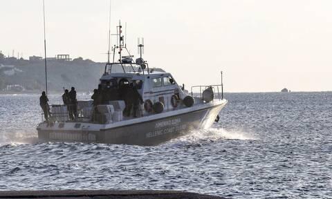 Θρίλερ στον Φλοίσβο: Το Λιμενικό αναζητά πληροφορίες για τη γυναίκα που βρέθηκε νεκρή