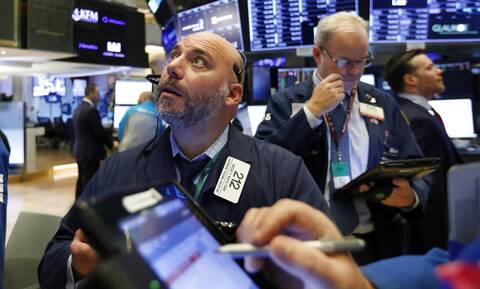 Άνοδος στη Wall Street μετά τις υποσχέσεις της Evergrande - «Καλπάζει» η τιμή του πετρελαίου