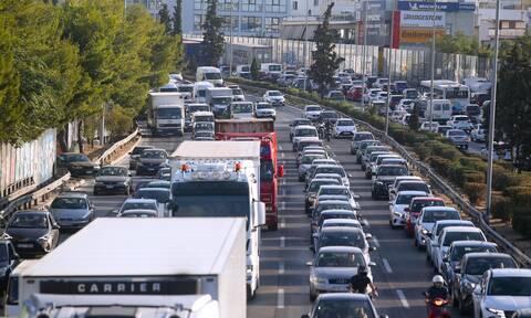 Κίνηση ΤΩΡΑ: Πονοκέφαλος για τους οδηγούς με τεράστιο μποτιλιάρισμα ο Κηφισός – Δείτε χάρτη