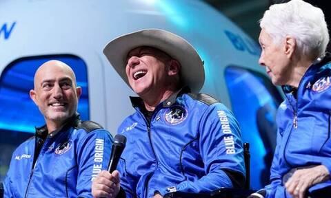 Jeff Bezos: Τι είδε στο διάστημα και άλλαξε μυαλά;