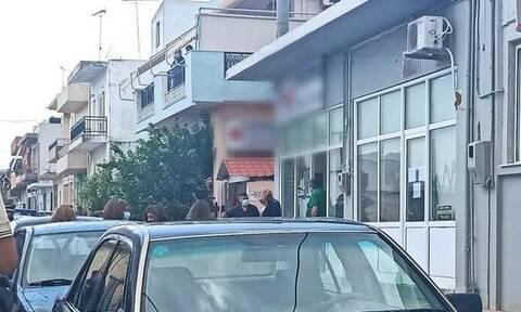 Κρήτη: Κλειδώθηκε στο ΚΑΠΗ μαζί με τον σύζυγο της μη εμβολιασμένη φυσικοθεραπεύτρια