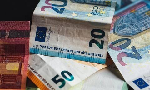 Χρεωμένα με δύο καταναλωτικά δάνεια 6 στα 100 ελληνικά νοικοκυριά