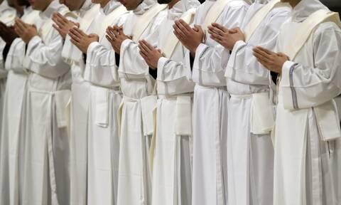 Ιταλία: Ιερέας άδειασε το παγκάρι…για να κάνει πάρτι με όργια και ναρκωτικά