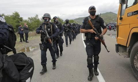 Κόσοβο: Σκηνικό έντασης με οδοφράγματα και ισχυρές αστυνομικές δυνάμεις