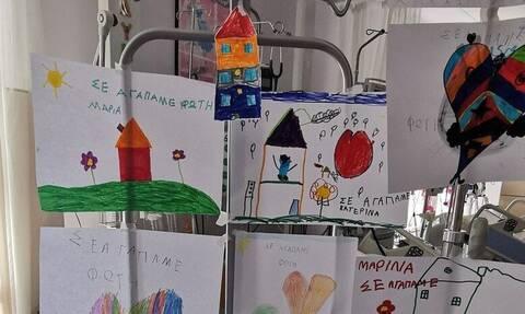 Πάτρα: Τα τελευταία νέα για τον 6χρονο που χτυπήθηκε από καρτ – Γέμισε με ζωγραφιές η ΜΕΘ