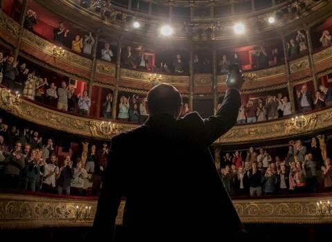 «Ένας Θρίαμβος» στα ελληνικά σινεμά με «Εκρηκτικό Κοκτέιλ» νέων ταινιών