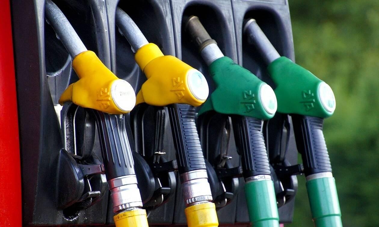 Βρετανία: Η πανδημία «γονατίζει» την αγορά - Λουκέτα σε πρατήρια καυσίμων λόγω προβλημάτων παράδοσης