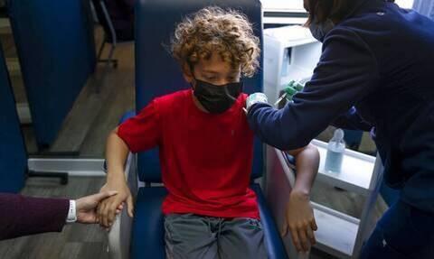 Βασιλακόπουλος: «Δεν γίνεται να ρισκάρεις το ανοσοποιητικό ενός παιδιού με φυσική λοίμωξη»
