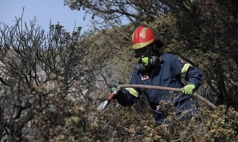 Φωτιά στην Κάρπαθο: Μάχη των πυροσβεστικών δυνάμεων για την κατάσβεση των δύο πυρκαγιών