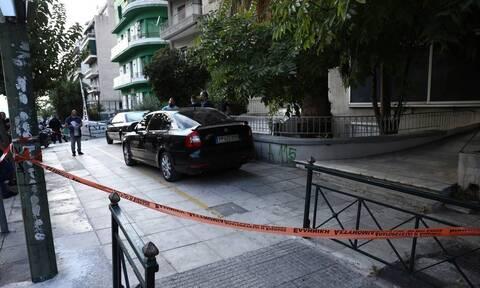 Επίθεση στην Αλεξάνδρας: Βίντεο ντοκουμέντο - Η στιγμή που οπλίζει ο δράστης