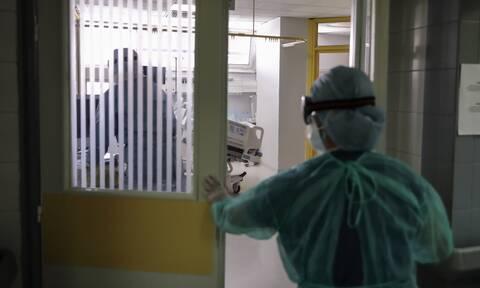Καπραβέλος: Αυξάνονται οι νοσηλείες - Σχεδόν στο 100% η πληρότητα στις ΜΕΘ στη Βόρεια Ελλάδα
