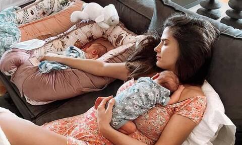 Χριστίνα Μπόμπα: Οι κόρες της έχουν το ίδιο εκ γενετής σημάδι - Πώς ονομάζεται