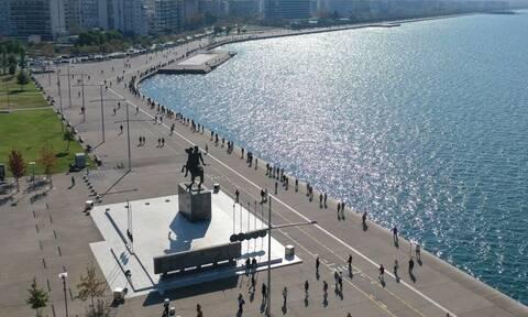 Θεσσαλονίκη: Αυξάνεται το ιικό φορτίο στα λύματα, ασφυκτιούν οι ΜΕΘ και τα κορονοπάρτι συνεχίζονται