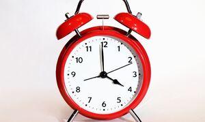 Αλλαγή ώρας: Αντίστροφη μέτρηση για τη χειμερινή - Τι θα συμβεί τελικά φέτος