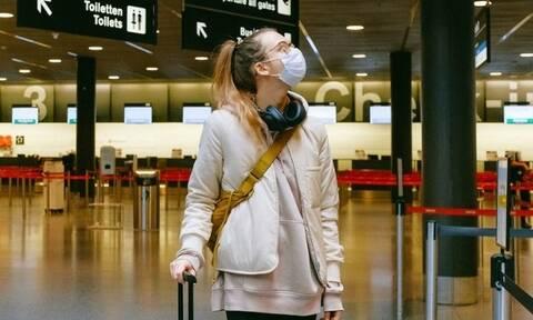 Ρώσοι ταξιδεύουν τουριστικά στο εξωτερικό για να εμβολιασθούν με ξένα εμβόλια