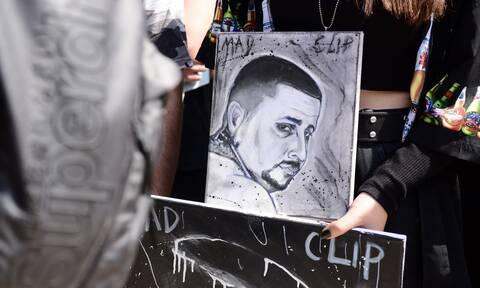 Στιγμιότυπο από την κηδεία του Mad Clip