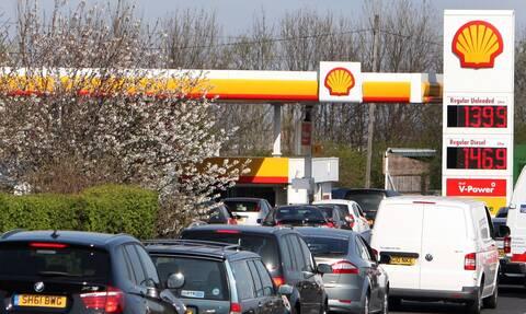 Ουρές σε πρατήρια καυσίμων στη Βρετανία