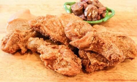 Τηγανητό κοτόπουλο: Μία μικρή ιστορία νοστιμιάς και κολλήματος