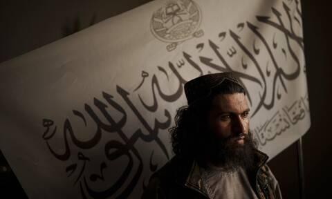 Αφγανιστάν: Απαγόρευση για τον ξύρισμα της γενειάδας εξέδωσαν οι Ταλιμπάν