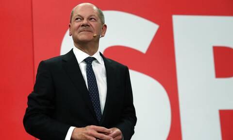 Γερμανικές εκλογές: Μάχη ψήφο με ψήφο, πρώτος με μικρή διαφορά ο Όλαφ Σολτς (SPD)
