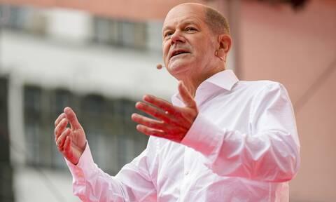 Όλαφ Σολτς: Ποιος είναι ο «κος Μέρκελ» που έδωσε το φιλί της ζωής στους Σοσιαλδημοκράτες