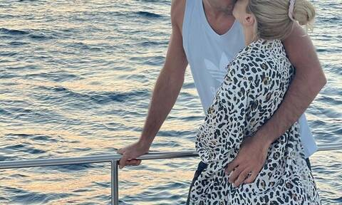 Γεννητούρια στην ελληνική showbiz! Γνωστό ζευγάρι απέκτησε το πρώτο του παιδί (pics)