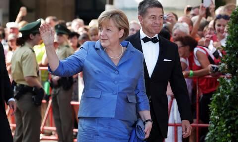 Γερμανικές εκλογές: Η «νέα ζωή» της Μέρκελ - Απο το κέϊκ δαμάσκηνο... στα 15.000 ευρώ τον μήνα