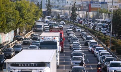 Κίνηση ΤΩΡΑ: Ταλαιπωρία και μποτιλιάρισμα στον Κηφισό - Ποιοι δρόμοι έχουν προβλήματα