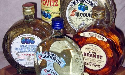 Προσοχή: Αυτό το ποτό σου προκαλεί hangover με ένα σφηνάκι!