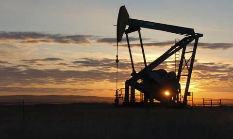 Χωρίς κατεύθυνση η Wall Street - Πλησιάζει τα 80 δολάρια το πετρέλαιο