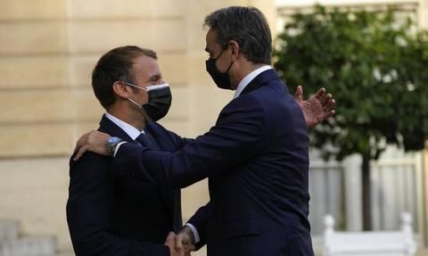 Μακρόν: Θα προστατεύουμε την ανεξαρτησία και την εδαφική κυριαρχία της Ελλάδας