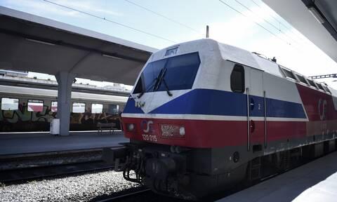 Θεσσαλονίκη: Τρένο συγκρούστηκε με φορτηγό - Ένας τραυματίας