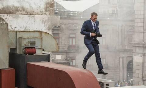 O James Bond έσπασε το πόδι του στην ταινία!