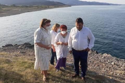 H Λίνα Μενδώνη στις πυρόπληκτες περιοχές της Βόρειας Εύβοιας