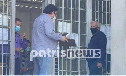 Πύργος: Ποινή φυλάκισης με αναστολή στον πατέρα που δεν φορούσε μάσκα στα παιδιά του
