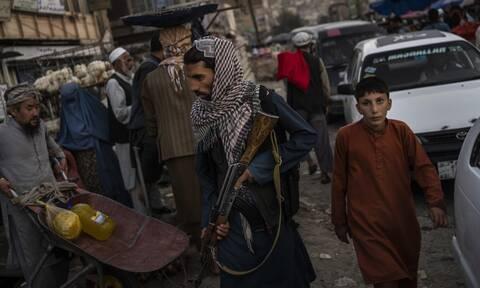 Λευκός Οίκος: Εάν οι ΗΠΑ είχαν αφήσει 2.500 στρατιώτες στο Αφγανιστάν, αυτό θα οδηγούσε σε πόλεμο
