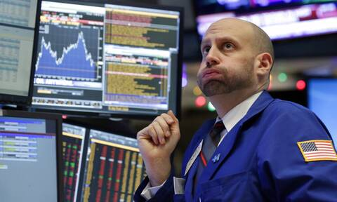Μεγάλη πτώση στη Wall Street - Υποχωρούν οι τιμές του πετρελαίου