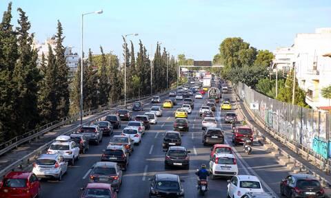 Κίνηση ΤΩΡΑ: «Κόλαση» για τους οδηγούς στον Κηφισό - Πού υπάρχει μποτιλιάρισμα